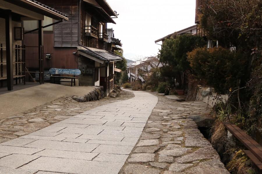 馬籠の街道